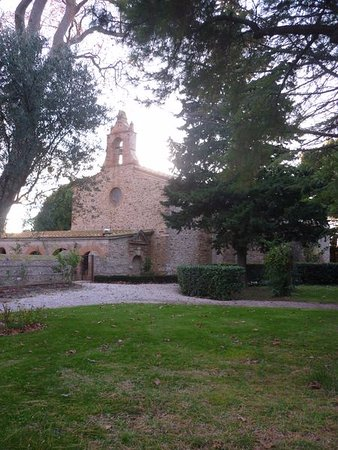 Torreilles, Francia: Un des monuments proche de l'hôtel.