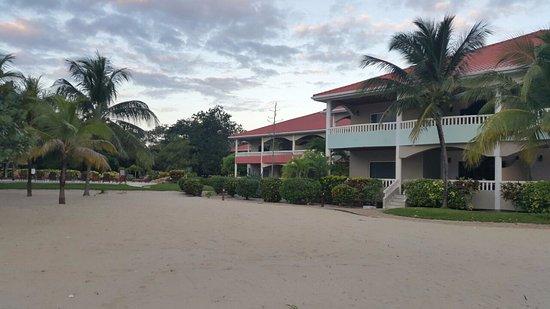 Los Porticos Villas: Beach front.