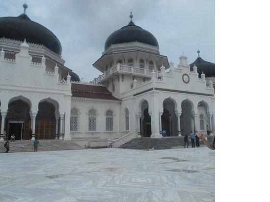 Baiturrahman Grand Mosque Photo
