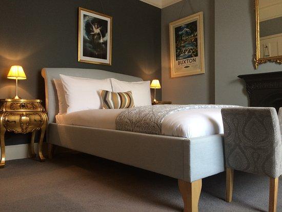 Deeley House Bed & Breakfast
