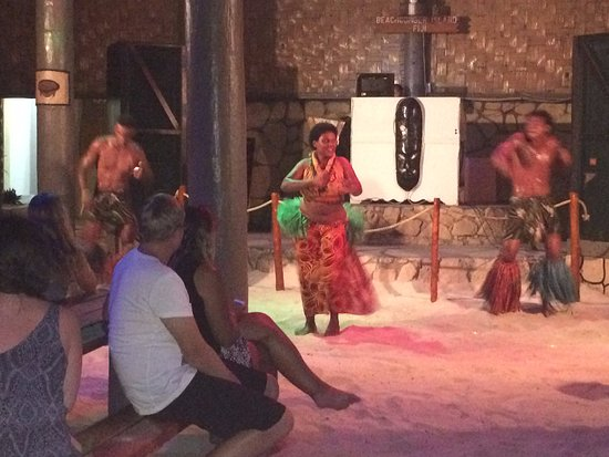 Beachcomber Island, Fiji: Evening Entertainment
