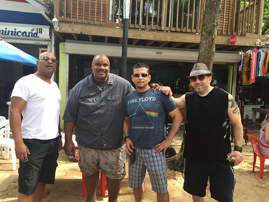 Cabarete, República Dominicana: Best BBQ chef in DR (2nd from left)