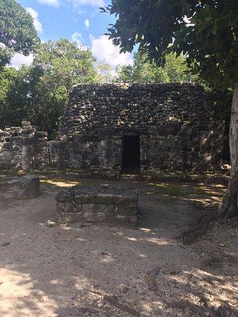Safe Tours Cozumel: Mayan ruins.