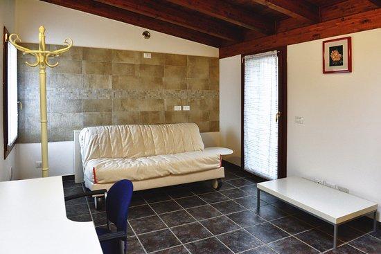 B b san bernardino hotel lallio italia prezzi 2018 e for Salottini per esterno economici