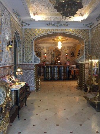 Hotel Mozart: the reception
