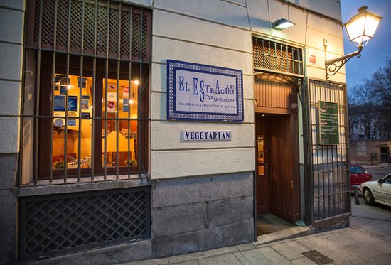 Photo of Mediterranean Restaurant El Estragon Vegetariano at Plaza De La Paja 10, Madrid 28005, Spain