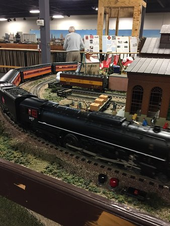 Twin City Model Railroad Museum: One of the large 2-layer train layouts