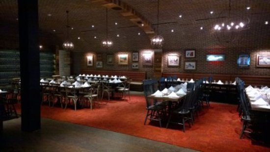 La cava dining room is perfect for large groups picture for Restaurants for big groups