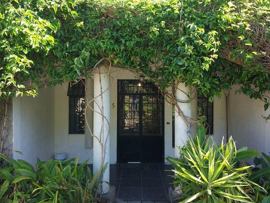 Casa Lobo Bungalows: LAKEVIEW APPARTMENT ENTRANCE