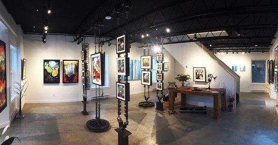 Sutton, Canadá: Fluide et lumineuse, la galerie présente des sculptures de l'artiste-soudeuse Amielle Doyon-Gilb