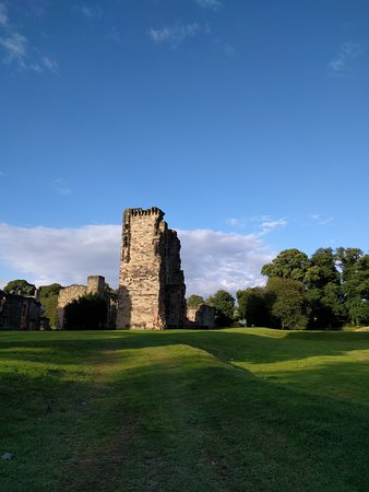 Ashby-de-la-Zouch, UK: IMG_20160809_185154_large.jpg