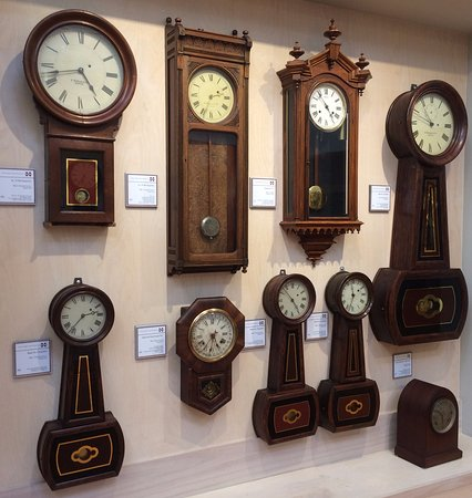 Starkville, Миссисипи: Some of the more than 400 clocks.