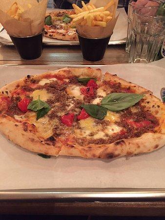 Stourbridge, UK: Smokey beef pizza