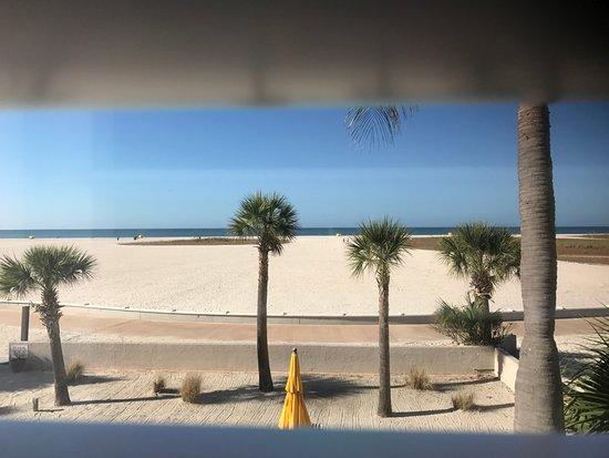 Thunderbird Beach Resort Photo