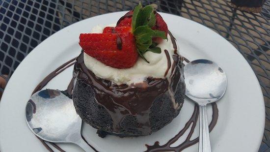 Afton, VA: Lava Cake