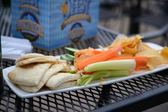 Afton, Wirginia: Hummus tray