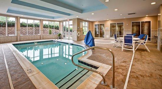 Hilton Garden Inn Durham Southpoint: Indoor pool