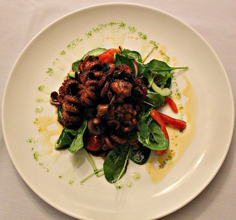 Toowoomba, ออสเตรเลีย: BBQ baby octopus - chef's special