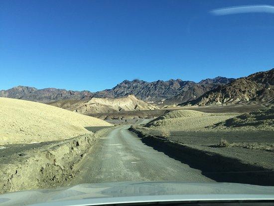 Twenty Mule Team Canyon: The road