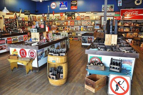 Magog, Canadá: Décoration, crochets en fonte, Ouvre bouteille...