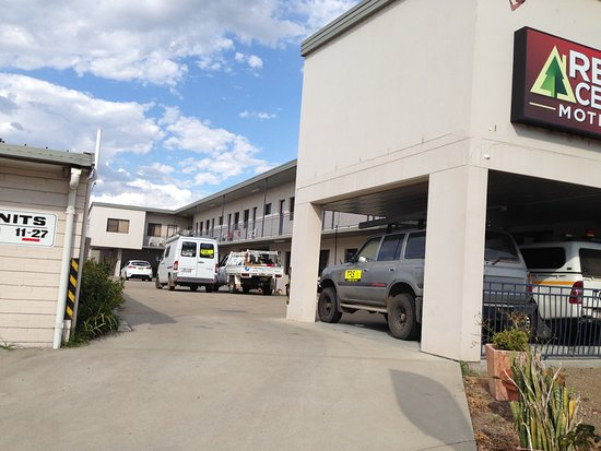 Muswellbrook, Australia: Very tight parking