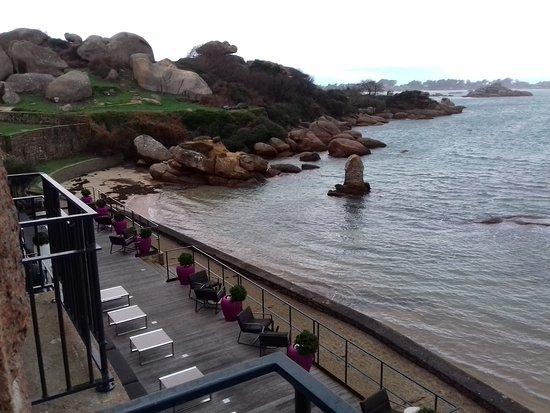 Hotel Castel Beau Site : vue de notre chambre.marée basse
