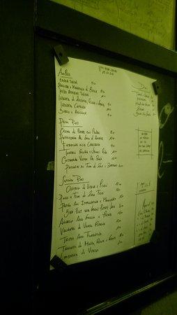 Vini e Vecchi Sapori: Posted handwritten menu