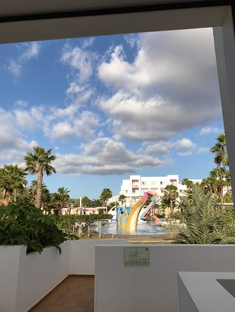 ClubHotel Riu Gran Canaria: Photos from the hotel suite located at the beachside, with a wonderful view, in between the chil