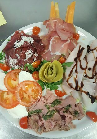 Albiano d'Ivrea, Italia: Pizzeria Il Girasole