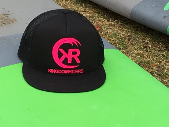 Wailuku, HI: We sell hats too