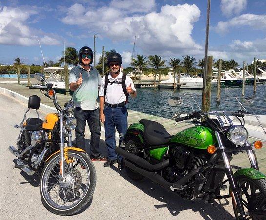 RideTCI Motorcycle Tours: Junto a Luigi Garritano excelente anfitrión