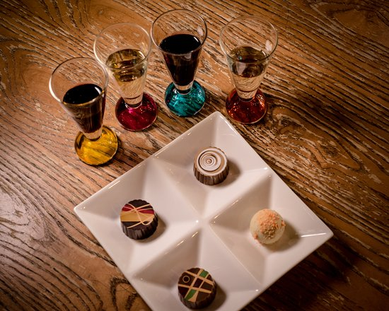 Granbury, Teksas: Chocolate and wine pairings make the experience even better