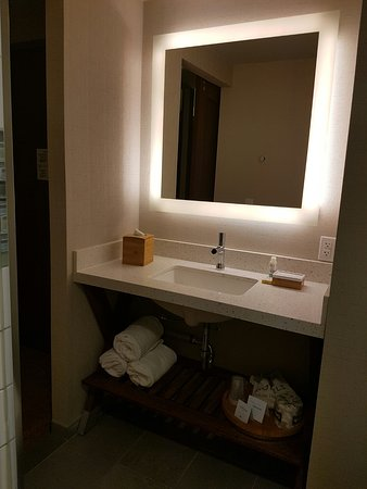 EVEN Hotel Times Square South: Vanity With Soap, Cream, Hair Dryer, Extra