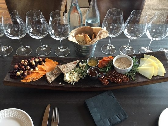 Newberg, OR: Gorgeous Charcuterie Plate