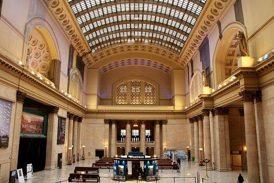 union station main hall - Chicago Christmas Station