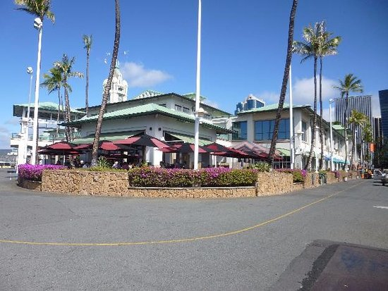 Aloha Tower Marketplace Restaurant Bar Brewery