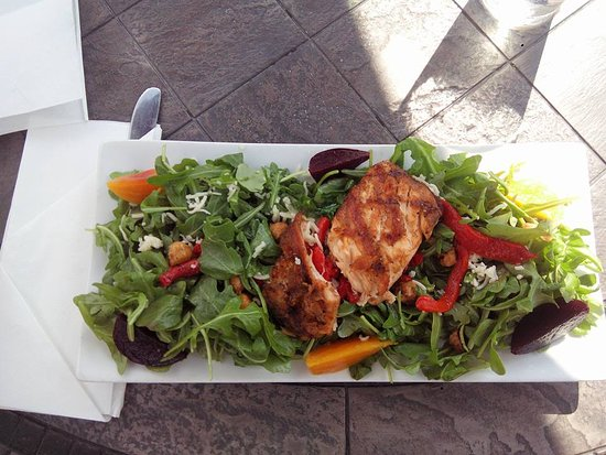 West Bend, WI: Grilled Salmon Baby Beet & Arugula Salad