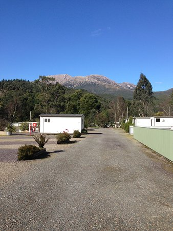 Queenstown Cabin and Tourist Park- sites for vans and motorhomes. Self contained cabins