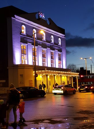The Old Vic : Old Victoria Theater