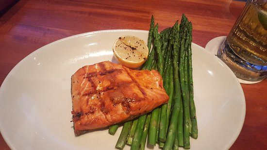 Wheeling, IL: Salmon dinner