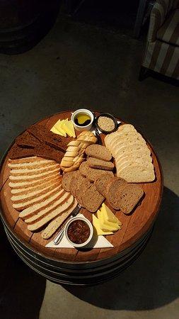 Blenheim, Nueva Zelanda: Great bread board for our tour group