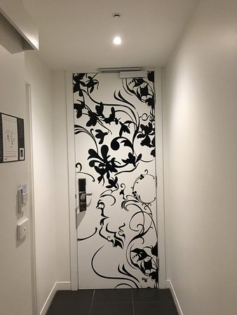 Punthill South Yarra Grand: How lovely, to have art on the inside of the entrance!
