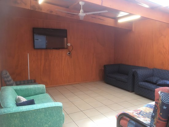 St Helens, Australia: Family room just off the kitchen/dinning area all being under one roof!