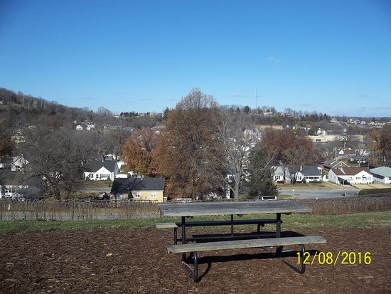 Hermann, MO: View outside the Vintage Restaurant!