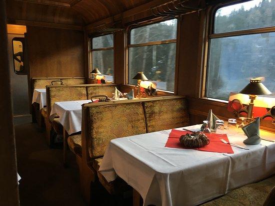 La Punt-Chamues-ch, Switzerland: restaurant wagon
