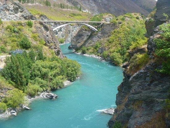 Arrowtown, Nya Zeeland: Views along the Kawerau River from bike trail.