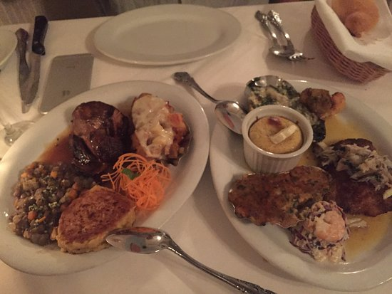 Brigtsen's Restaurant: We put our entrees in the middle and shared