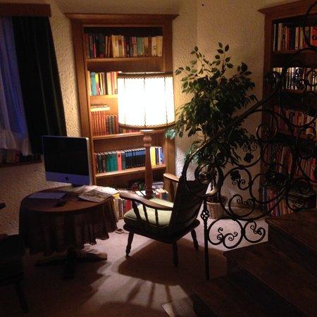 Pension Austria Kaprun: Уютное оборудованное IMac рабочее место доступно для гостей