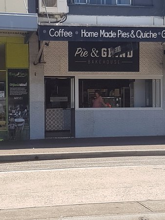 Fairlight, Australia: Pie and Grind Cafe
