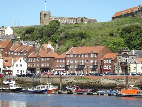 Pickering, UK: Whitby Town and its famous Abbey.